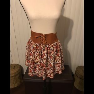 NWT Large floral skirt w attached wide tie belt
